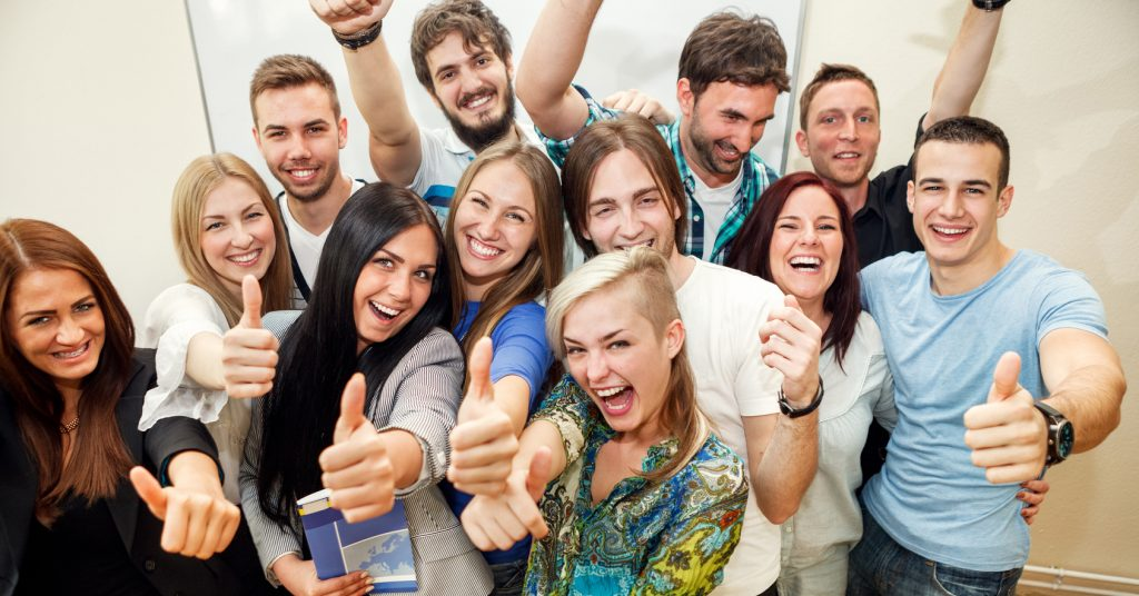 Jak rekrutować młodych ludzi