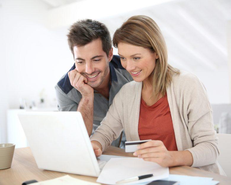 Kredyt przez Internet – wygoda, ale z gwiazdka